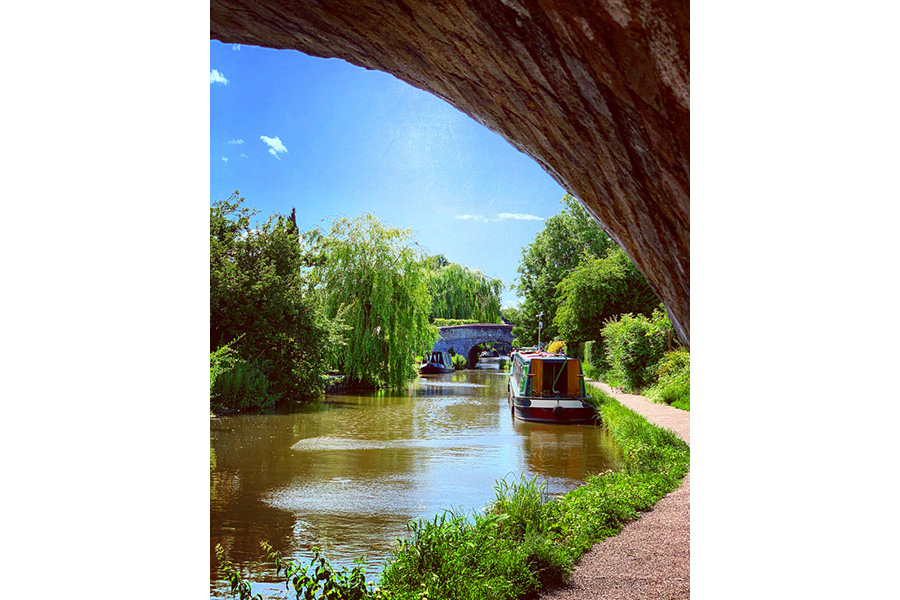 editorial_images/page_images/featured_images/gallery/favourite_views/FV-Rebecca-Page-Shroppie-Bridge29.jpg